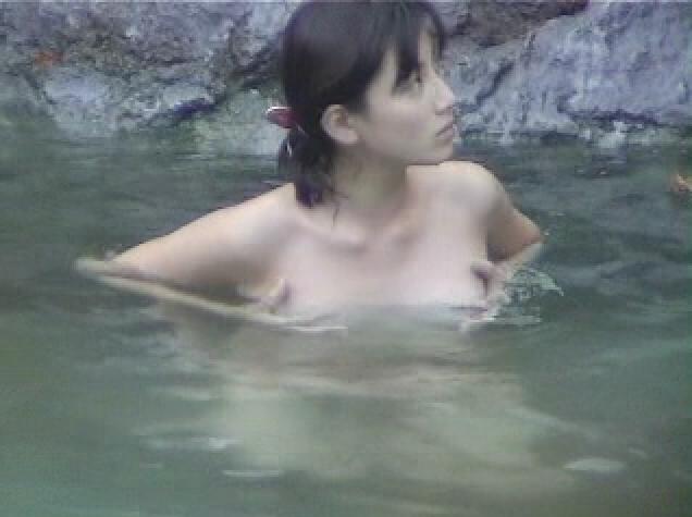 加藤あい 露天風呂盗撮!